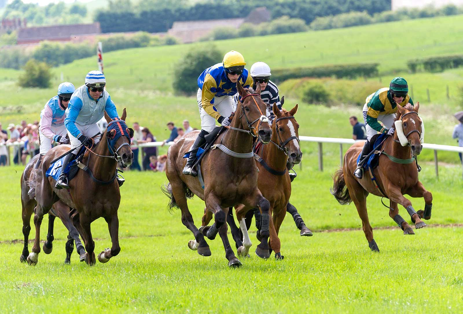 Horse racing at Garthorpe